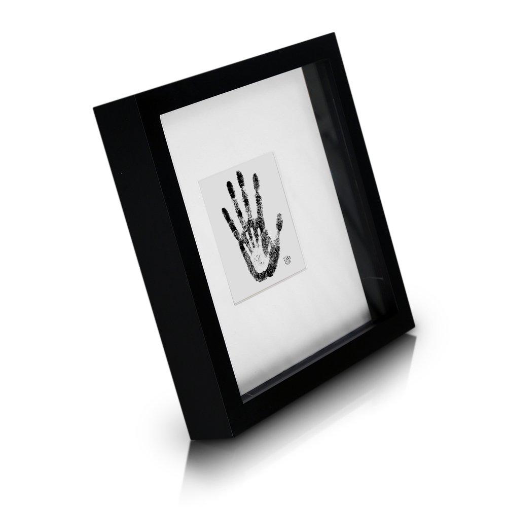Cadre Boîte 3D en Bois MASSIF - 23 x 23 cm - Passepartout pour photo de 10 x 10 cm inclus - Peut Contenir Des Objets de 2,5 cm d'épaisseur - Idée Cadeau Originale - Vitre en VERRE - Noir product image