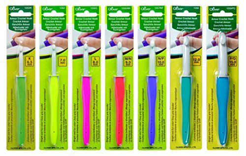 Clover Amour Crochet Hooks - Set of 7 - For Working with Thick Yarns by Clover