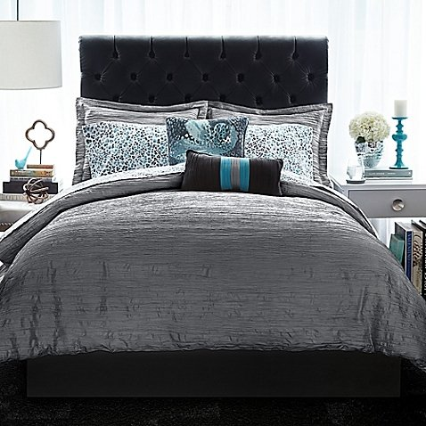 Christian Siriano Relaxed Crinkle Comforter Set (Full/Queen, Gray) by Christian Siriano