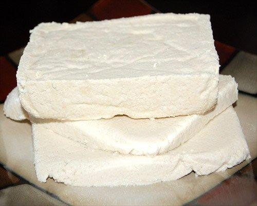 Soymilk & Tofu Making Kit: Includes 5 Lbs. Organic Yellow Soybeans, Tofu Maker & Soyabella Soy Milk Machine by Handy Pantry (Image #3)