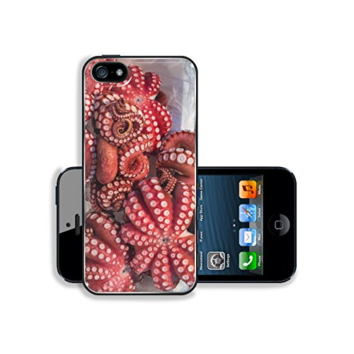 Luxlady Apple iPhone 5 iPhone 5S Aluminum Backplate Bumper Snap iphone5/5s Case IMAGE ID: 35592186 Red live octopus at Tsukiji fish market Tokyo Japan ()