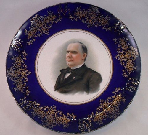 1900 President William McKinley, Led the US to Victory in the Spanish American War, Porcelain Souvenir Portrait Plate, 8 inches in Diameter, Cobalt Blue Outer Rim (American Portraits Plate)