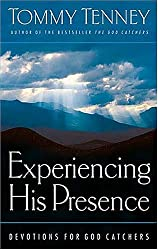 Experiencing His Presence: Devotions For God Catchers