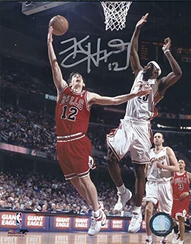 Autographed Kirk Hinrich 8x10 Chicago Bulls Photo]()