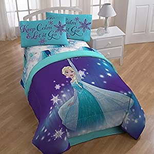 Amazon Com Disney Frozen Magical Winter Comforter And