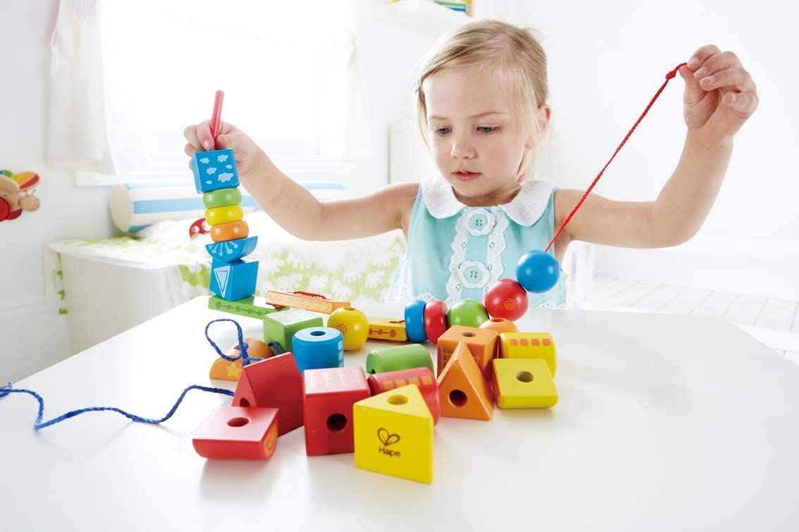 Hape E1001 - Juguete de enhebrar, juguete de primera infancia , color/modelo surtido