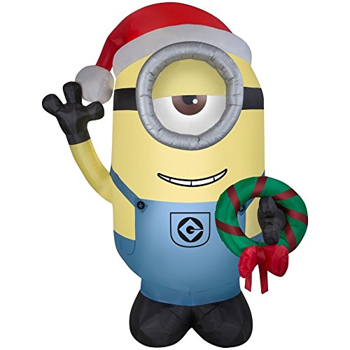 Illumination Airblown Inflatable Despicable Me Minion Stuart with Holiday Christmas Wreath 9.5 feet]()