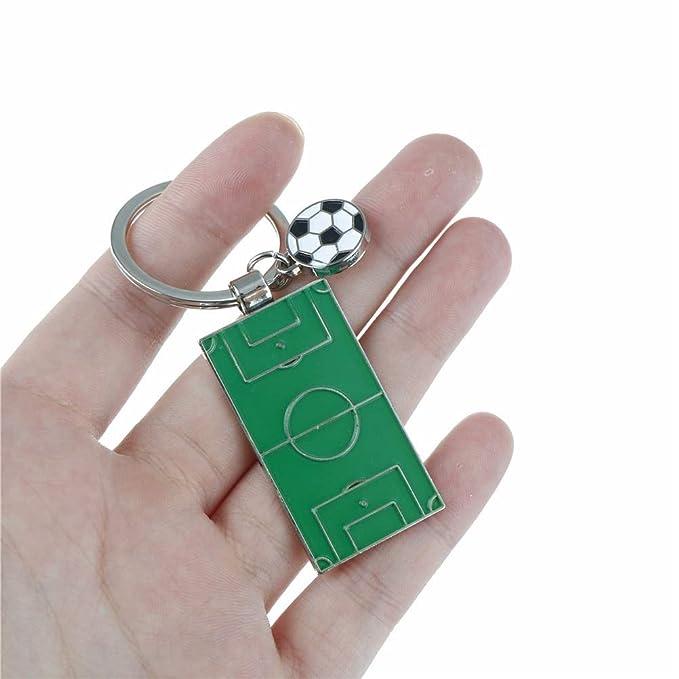 Amazon.com: Llavero de metal con diseño de campo de fútbol ...
