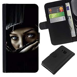 HTC One M7 , la tarjeta de Crédito Slots PU Funda de cuero Monedero caso cubierta de piel ( Helmet Biker Chick Girl Woman Black)