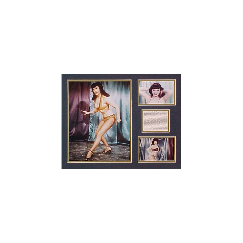 Betty Page Framed Photo Presentation by Art of Hollywood   18 x 22 Inch Size