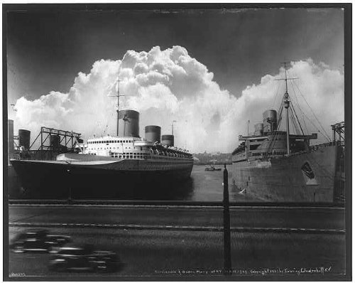 Photo: NORMANDIE & QUEEN MARY at New York dock September (Queen Mary Ship Pictures)