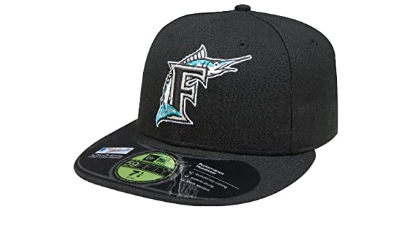 a0198fbfd0fc1 Amazon.com : New Era 59Fifty On Field Florida marlins Black F Fish game  Fitted Cap Hat 7 1/2 : Sports Fan Baseball Caps : Sports & Outdoors