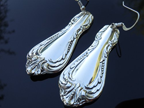 Oneida Chalice AKA Harmony 1958 Earrings ()