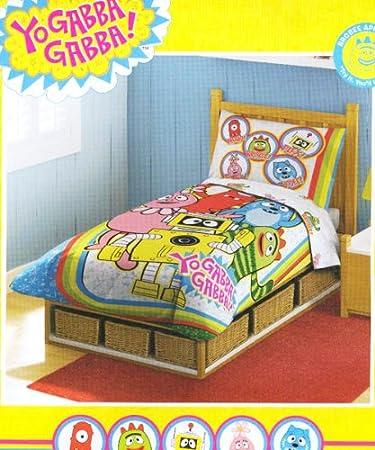 amazon com yo gabba toddler bedding set 4pc rainbow comforter