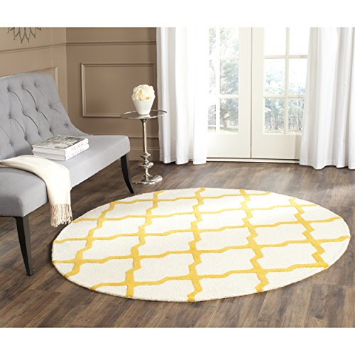 Safavieh Cambridge Collection CAM121U Handcrafted Moroccan Geometric Ivory and Gold Premium Wool Round Area Rug (4' Diameter)
