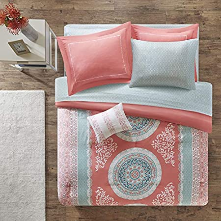 Intelligent Design Loretta Comforter Set Queen Size Bed In