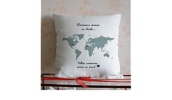 GOODcake World - Funda de almohada, diseño de mapamundi personalizado, regalo de larga distancia, regalo para pareja, distancia significa tan poco, ...