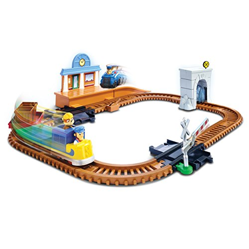 Large Product Image of Paw Patrol, Adventure Bay Railway Track Set with Exclusive Vehicle, by Spin Master