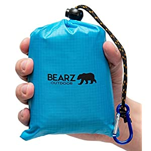 BEARZ Outdoor Beach Blanket/Compact Pocket Blanket 55″x60″ - Waterproof Ground Cover, Sand Proof Picnic Mat for Travel, Hiking, Camping, Festival, Sports - Durable Tarp w/Corner Pockets, Loops, Bag