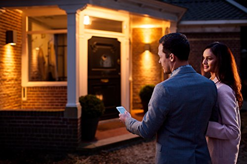 Philips Hue White E27 LED Lampe Erweiterung, dimmbar, warmweißes Licht, steuerbar via App, kompatibel mit Amazon Alexa (Echo, Echo Dot)