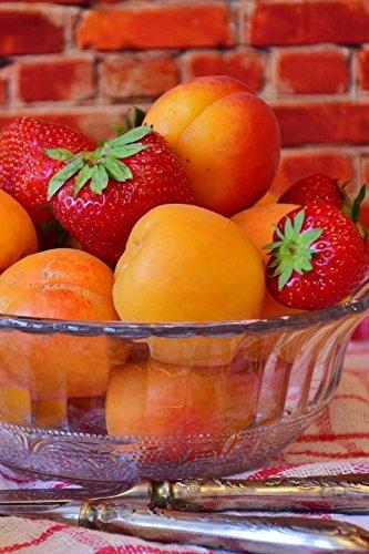 Fruit Notebook por Wild Pages Press