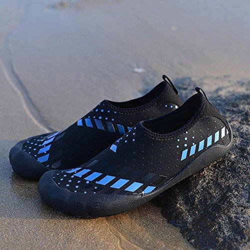 MoreDays Quick Dry Barfuß Handschuh Herren Wasserschuhe Zehenschutz Aqua Socken mit Drainage-Löchern für Beach Swim Blau Schwarz