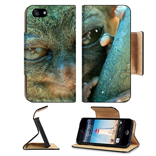 MSD Premium Apple iPhone 5 iPhone 5S Flip Pu Leather Wallet Case iPhone5 IMAGE ID: 12677716 Tarsier climbs a tree in Bohol Island on the West of Philippines in Asia