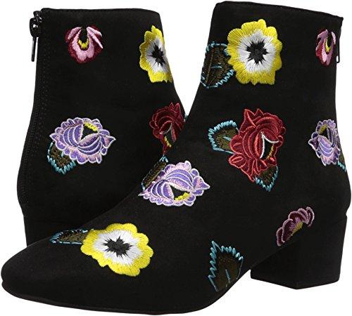 Betsey Johnson Womens Twiggy Fashion Boot  Black  7 5 M Us