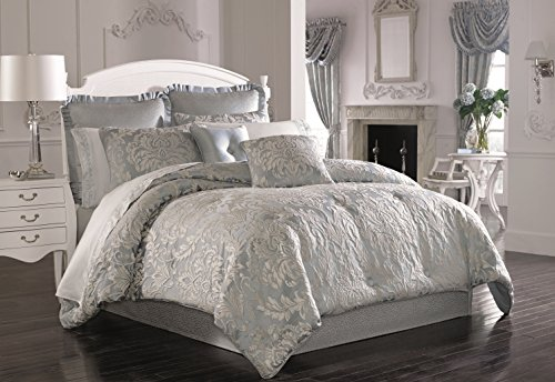 Five Queens Court Faith 4-Piece Comforter Set, Queen Size by Five Queens Court