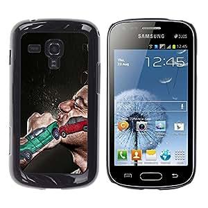 Qstar Arte & diseño plástico duro Fundas Cover Cubre Hard Case Cover para Samsung Galaxy S Duos / S7562 ( Boxing Fist Fight Car Crash Red Green Man)