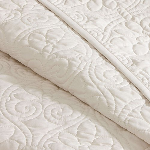 Amazon.com: 3 Piece Oversized King Bedspread To The Floor Set, Solid Ivory  Cream Warm Tone, 120 Inches X 118 Inches, Coverlet Allover Quilt Drops Over  Edge ...
