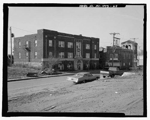 Photo: Warner Plaza,9 Warner Plaza,Kansas City,Jackson County,MO - Stores City Plaza Kansas Mo