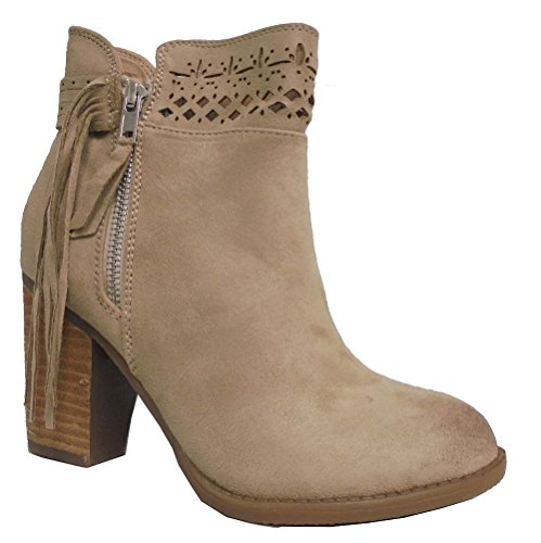 cream ankle boots - 9