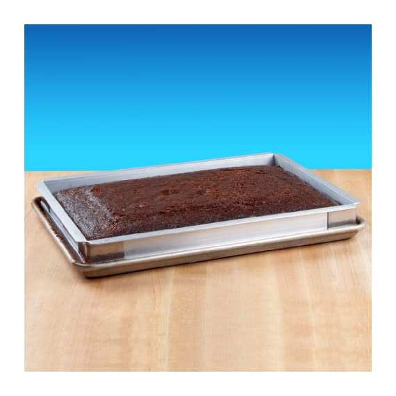 New star foodservice 42573 aluminum sheet bun pan extender, 18 x 26 inch (full size) 2 quality - extra durable aluminum channel construction with stainless steel reinforcing corners. Versatile - use with existing sheet pan to increase depth for cakes, brownies or cobblers. Multiple sizes - available in 9x13, 13x18 and 18x26.