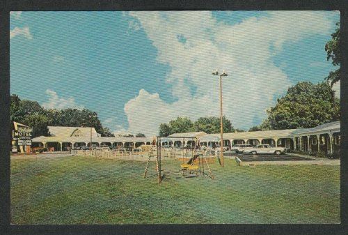Holiday Motel U.S. 31-W Cave City KY postcard 1950s from The Jumping Frog