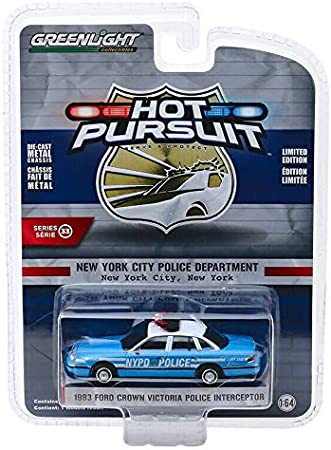 Ford Crown Victoria NYPD New York POLICE  Hot Pursuit Greenlight 1:64 OVP