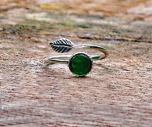 Recycled Vintage 1960s Green Beer Bottle Sterling Silver Leaf Ring ()