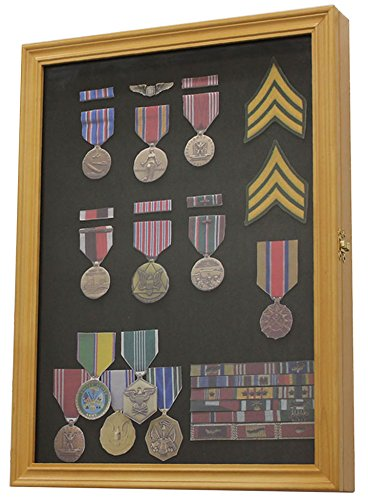 Military Medals, Pins, Patches, Insignia, Ribbons Display...
