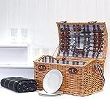 Stretford 4 Person Picnic Basket Hamper with Shoulder Strap & Traditional Style Green Blanket