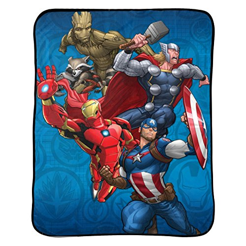 Marvel Avengers Blanket Kids Bedding Throw - 46 in. x 60 in. ()