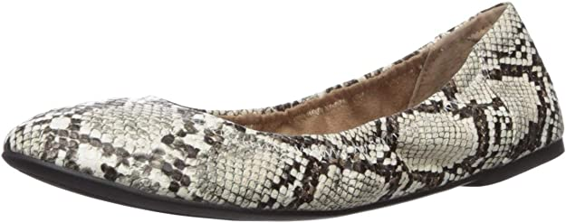 Amazon Essentials trendy and comfy ballet flats are great for teachers
