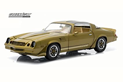 T Top Camaro >> Amazon Com Greenlight 1981 Chevy Camaro Z28 T Top Gold W