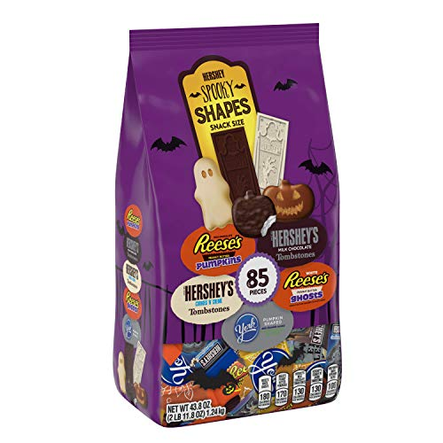 Spooky Halloween Snack Mix (HERSHEY'S Halloween Chocolate Candy Variety Mix (HERSHEY'S, REESE'S, & YORK) Spooky Shapes Assortment, 43.8)