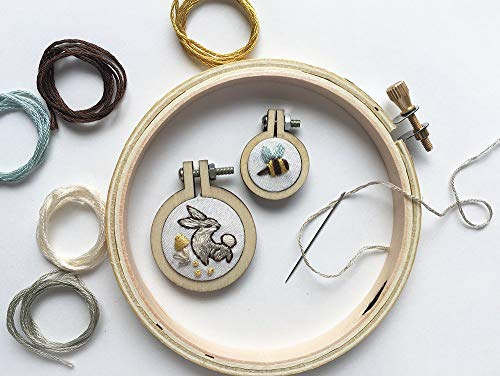 (Bunny and Bee Mini hand embroidery hoop charm kit)