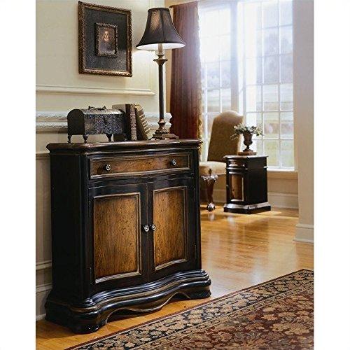 (Hooker Furniture Preston Ridge Hall Accent Chest in Cherry/Mahogany Finish)
