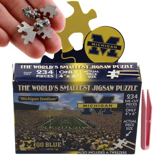 (NCAA Michigan Wolverines World's Smallest Puzzle)
