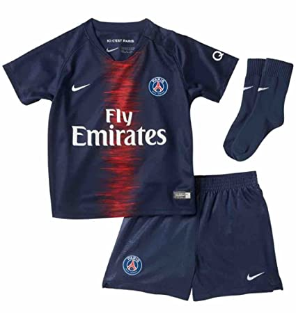 fa9537fb70f Amazon.com   Nike 2018-2019 PSG Home Baby Kit   Sports   Outdoors
