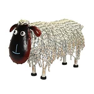 Pequeño adorno de jardín de metal oveja