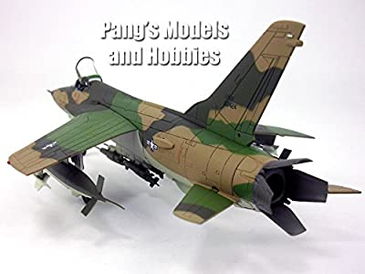 Republic F-105 Thunderchief Fighter Bomber - USAF - 1/72 Scale Diecast Model