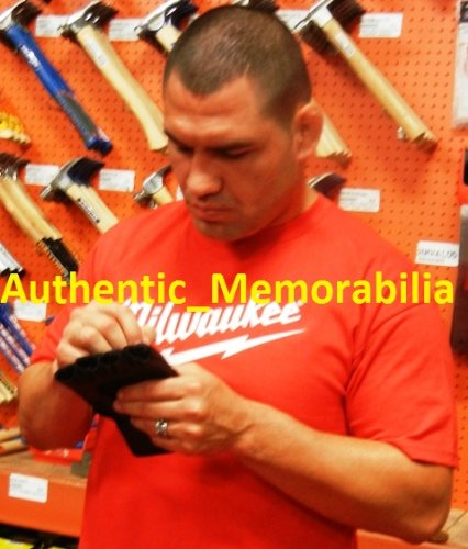 Cain Velasquez Autographed UFC Training Fight Glove W/PROOF, Picture of Cain Signing For Us, Ultimate Fighting Championship, Sherdog, UFC Heavyweight Champion, Arizona State Sun Devils, Junior Dos Santos
